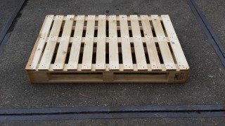 Pallets vlakrondlopend